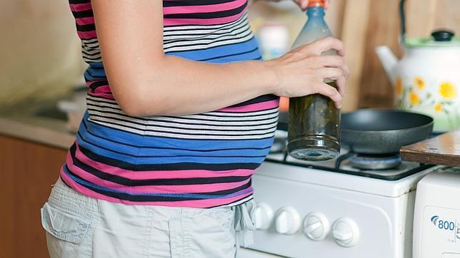 Un gel de ducha o una sartén pueden conllevar riesgos durante el embarazo