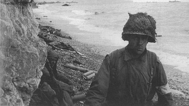 Los vivos y los muertos compartían la playa aquella mañana