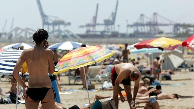 Uno de cada dos españoles se conectará a internet durante sus vacaciones