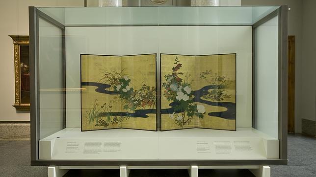«Plantas y flores de las cuatro estaciones y arroyo de agua», del siglo XIX, de Sakai Hoitsu