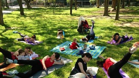 Operación biquini gratuita para las madres con bebés