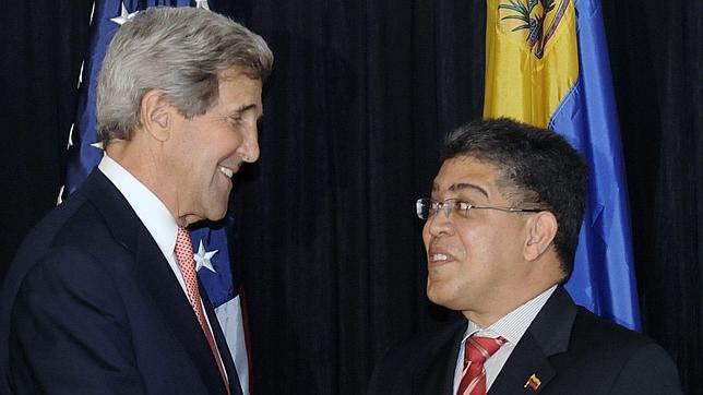 EE.UU. toma represalias contra Venezuela para que no acoja a Edward Snowden