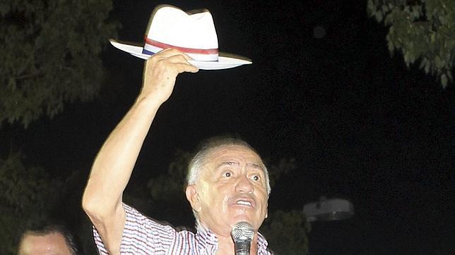 La hija del expresidente paraguayo Lino Oviedo reitera que murió en un atentado