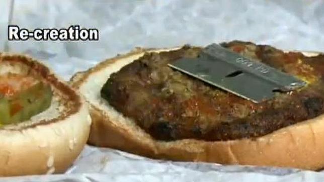 Una clienta encuentra una cuchilla en su hamburguesa del Burger King