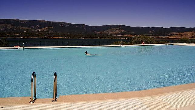 Cinco piscinas para ba arse en plena naturaleza for Piscinas naturales madrid gratis