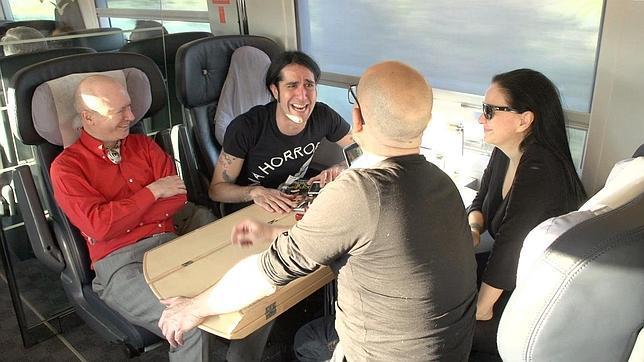 Alaska y mario viaja a barcelona a rodar el nuevo v deo - Cuadros casa alaska y mario ...