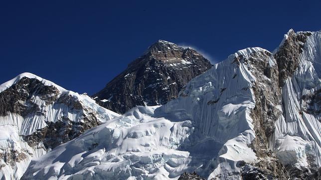 Everest: el vídeo más espectacular del sueño más alto del mundo