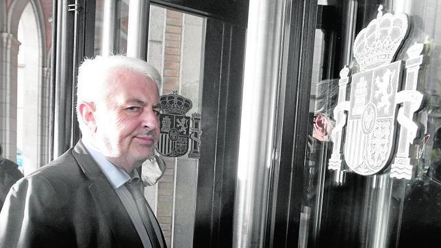La CEOE critica los cuatro días de permiso por defunción «porque los viajes no son en diligencia»