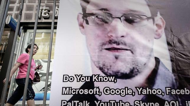 Un congresista republicano afirma que las revelaciones de Snowden son «peligrosas»