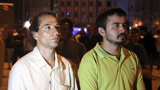 #Duranadam, junto a otro manifestante