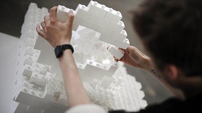 Participante en el Festival Internacional de Diseño de Berlín con una construción de «Lego»