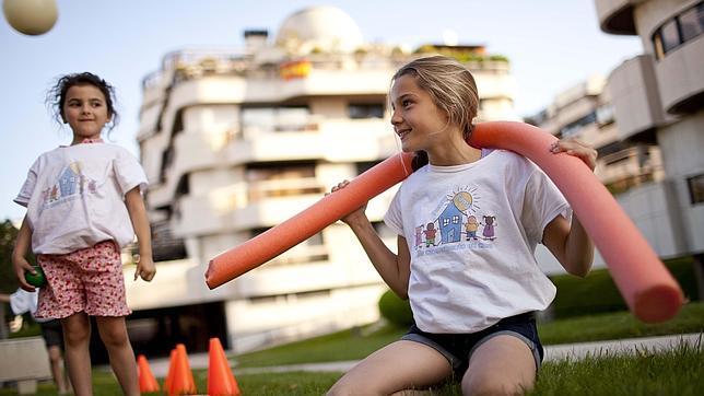Los niños pueden ir a campamentos de verano en su propia urbanización