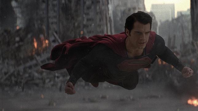 El Superman del cómic contra «El Hombre de Acero» de la película