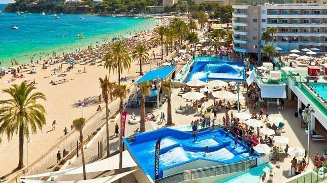 Diez hoteles nuevos en primera l nea de playa for Hoteles para familias en la playa