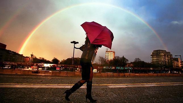 ¿Por qué el arcoíris tiene forma de arco?