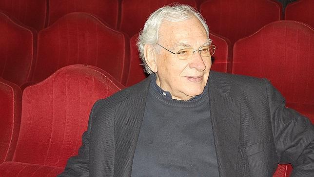 Muere el director teatral Miguel Narros