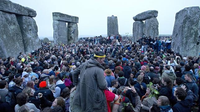 El día en que el Sol atraviesa el eje de Stonehenge