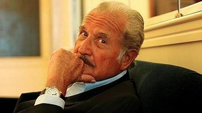 Carlos Fuentes, «destacado escritor comunista», veinte años en la mira del FBI