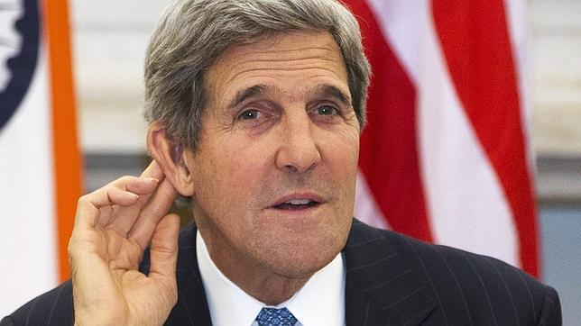 EE.UU. advierte de posibles consecuencias a los países que ayuden a huir a Snowden