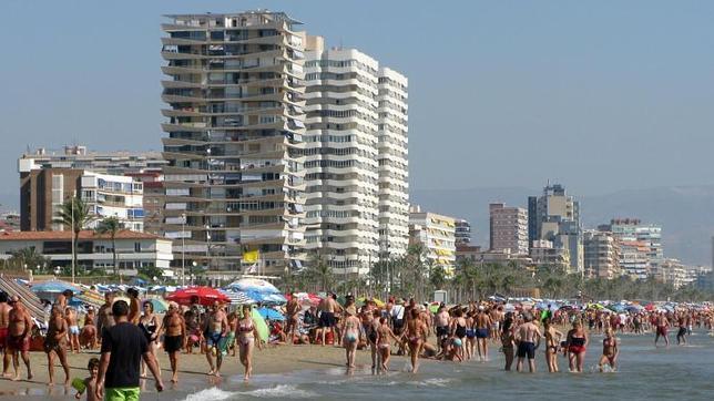 Casas y pisos en alquiler en playa de san juan alicante for Pisos en san juan de alicante