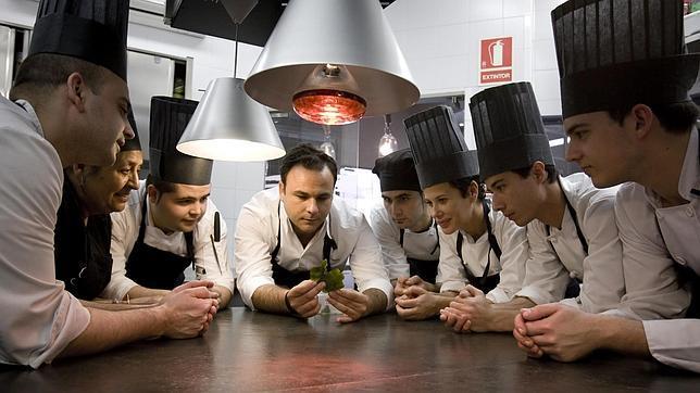El chef gaditano ngel le n premio nacional de - Trabajo de jefe de cocina ...