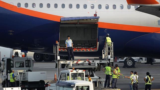Putin confirma que Snowden sigue en el aeropuerto de Moscú y rechaza entregarlo