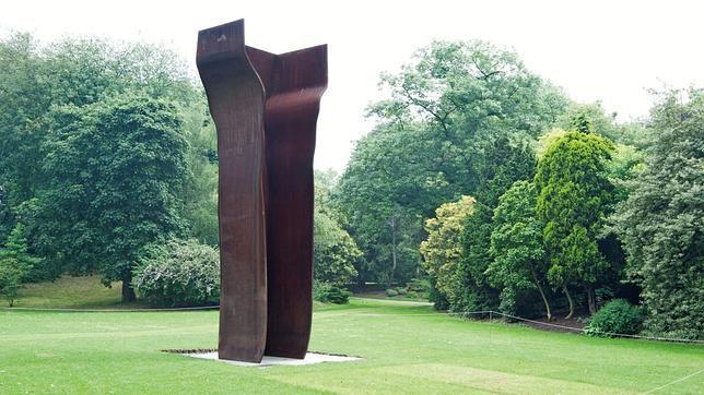Récord en subasta de una escultura de Chillida por 4,8 millones de euros