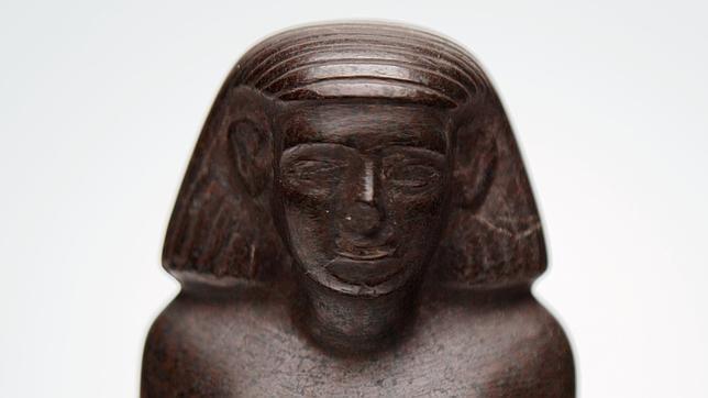 Aclarado el misterio de la estatua egipcia que giraba sola en el museo de Manchester