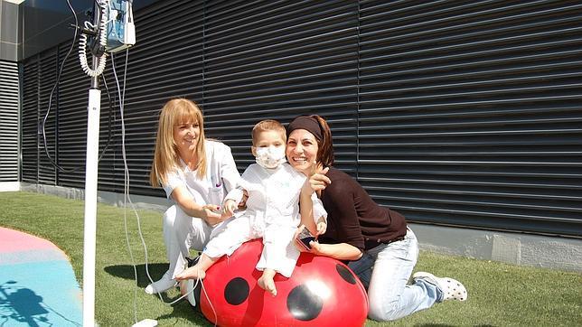 La Paz estrena su jardín para los niños ingresados en el hospital