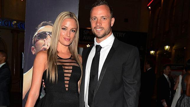 Los padres de Reeva, arruinados, demandan a Oscar Pistorius