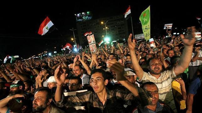 Obama insta a Mursi a responder a los manifestantes por la vía política