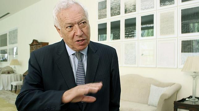 Margallo, a la petición de asilo de Snowden: «No es posible»