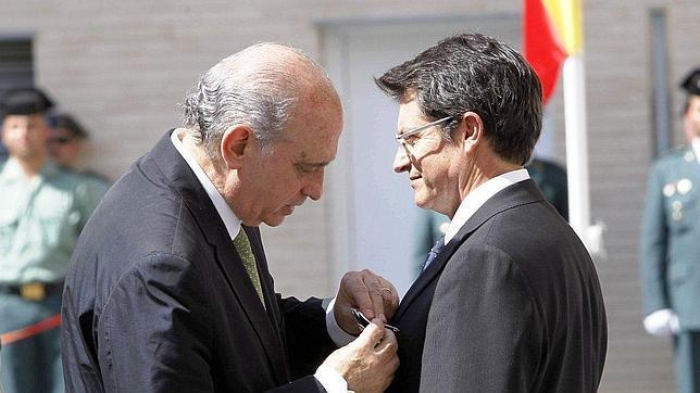 El ministro del interior inaugura el nuevo cuartel de la for Nombre del ministro de interior