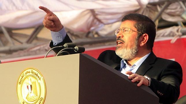 Mursi rechaza la decisión de las Fuerzas Armadas y no acepta su derrocamiento