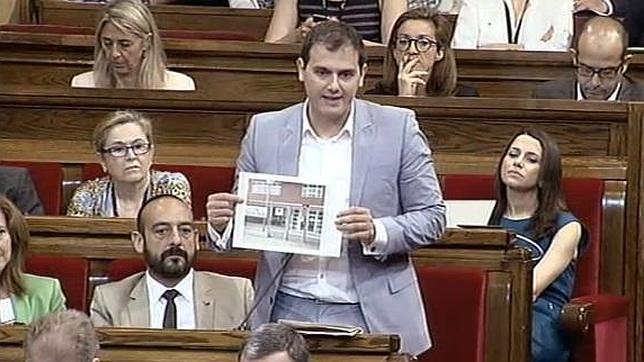 El «Yo acuso» de Rivera contra Artur Mas