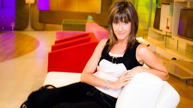 Sandra davi sustituye en verano a susanna griso en for Espejo publico verano