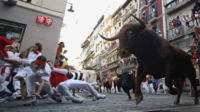 http://www.abc.es/Media/201307/04/encierro-sanfermin--644x362.jpg