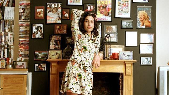 Retrato inédito de Amy Winehouse como una joven judía del norte de Londres