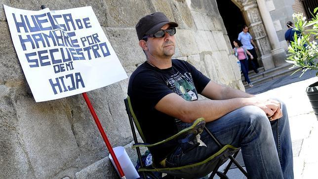 """O conceden la custodia compartida o me dejan morir de hambre en Toledo"" Santi1--644x362"