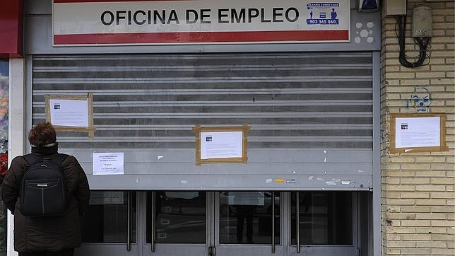 El tribunal constitucional impide al ministerio de empleo for Oficina de empleo sevilla