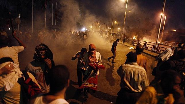 Los islamistas llaman a una intifada, tras la muerte de cuarenta de ellos en las protestas