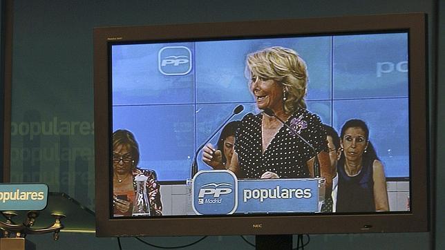 Esperanza Aguirre pide reconocer y explicar si ha habido irregularidades en financiación del PP