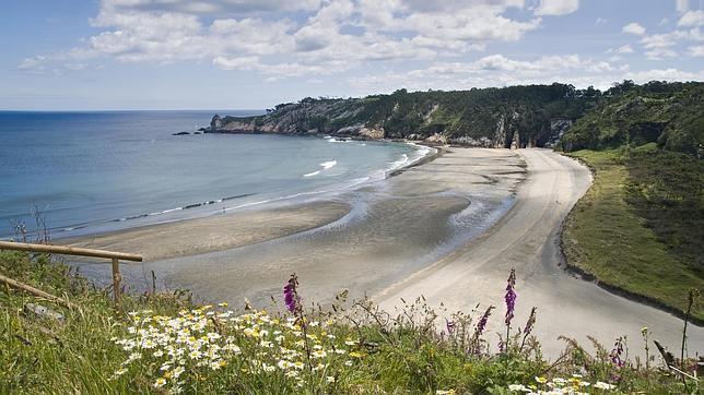 Playa de Barayo, en el concejo de Navia