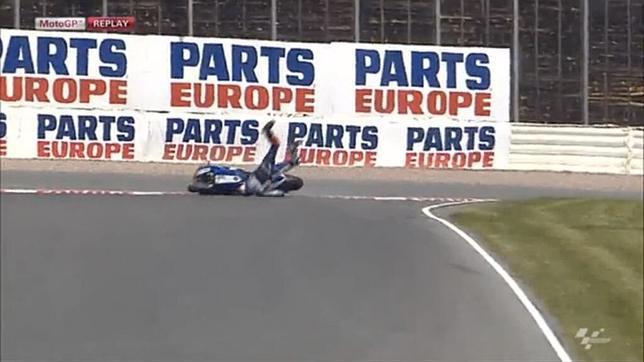 Caída de Jorge Lorenzo en Sachsenring sobre su clavícula lesionada