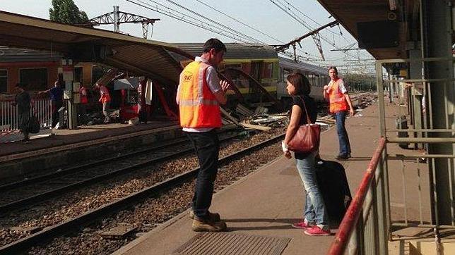 Hollande confirma que hay siete muertos y nueve heridos graves en accidente tren