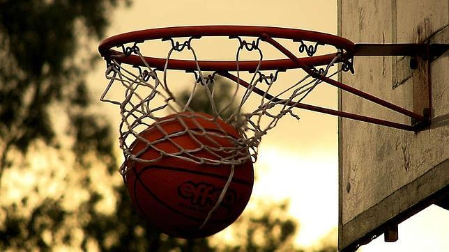 La canasta que cambió las reglas del baloncesto