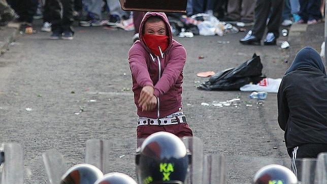 Contin an los enfrentamientos entre unionistas y la for Esquelas el mueble melide