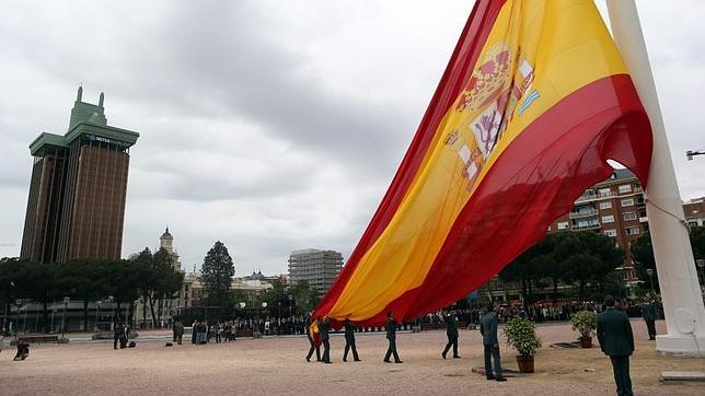 Las cinco banderas más grandes de Madrid
