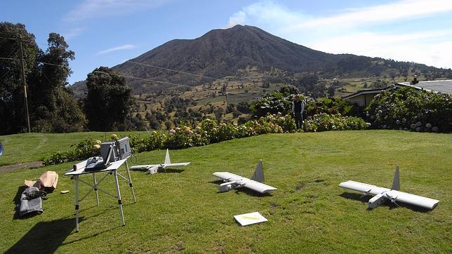 Estos tres aparatos son los encargados de sobrevolar el volcán Turrialba