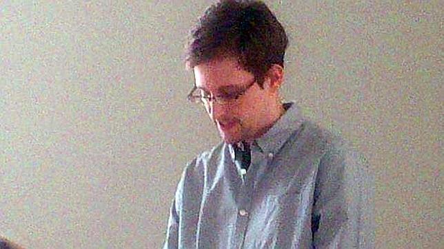Snowden podría ser «la peor pesadilla para Estados Unidos», según el editor de «The Guardian»